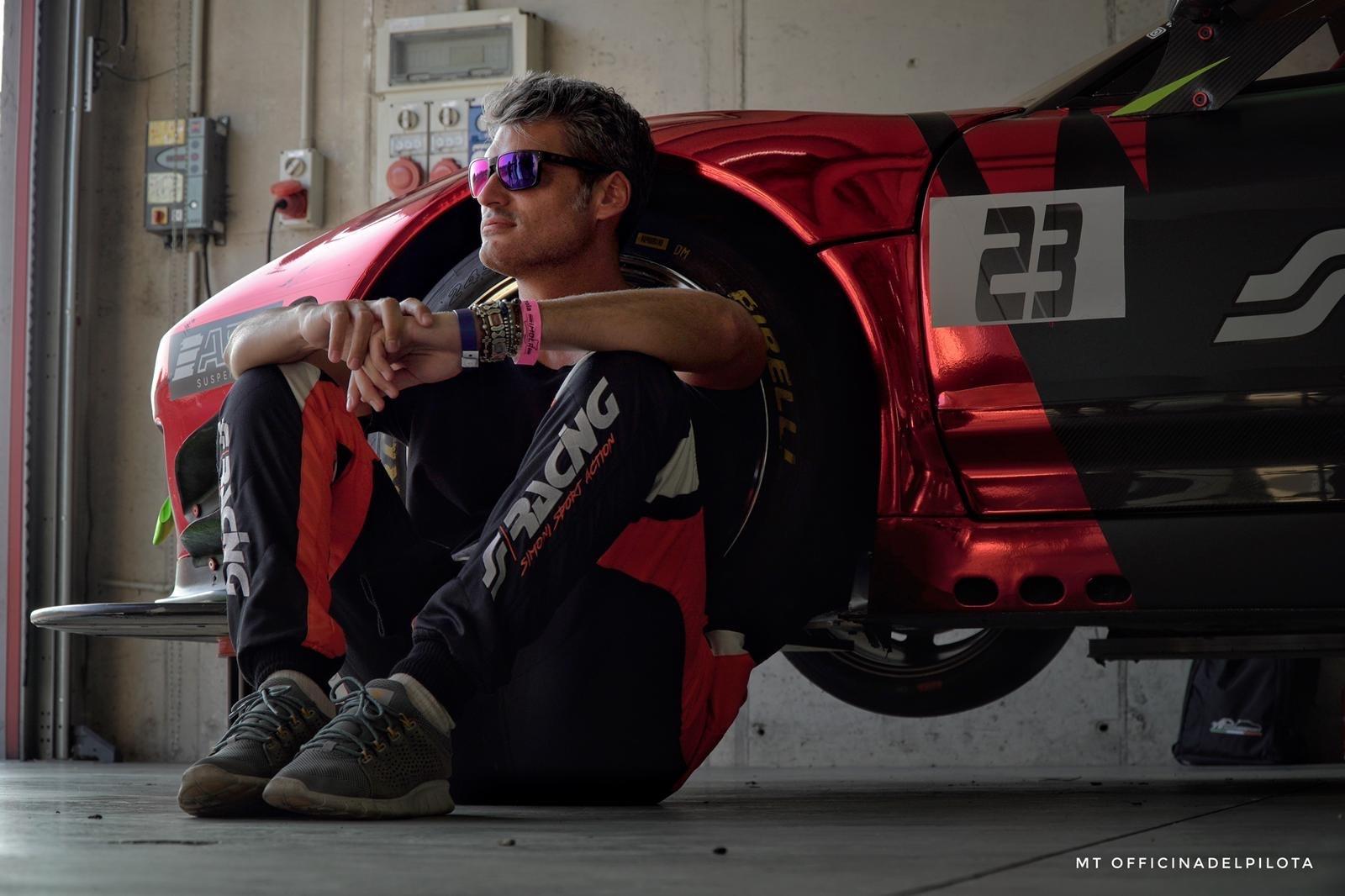 Alan Simoni racing